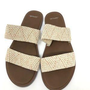 Sanuk strap flip flops size 7